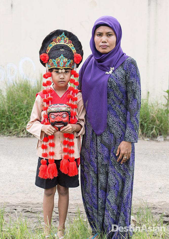 Salah satu murid Wangi yang antusias melestarikan tari topeng.