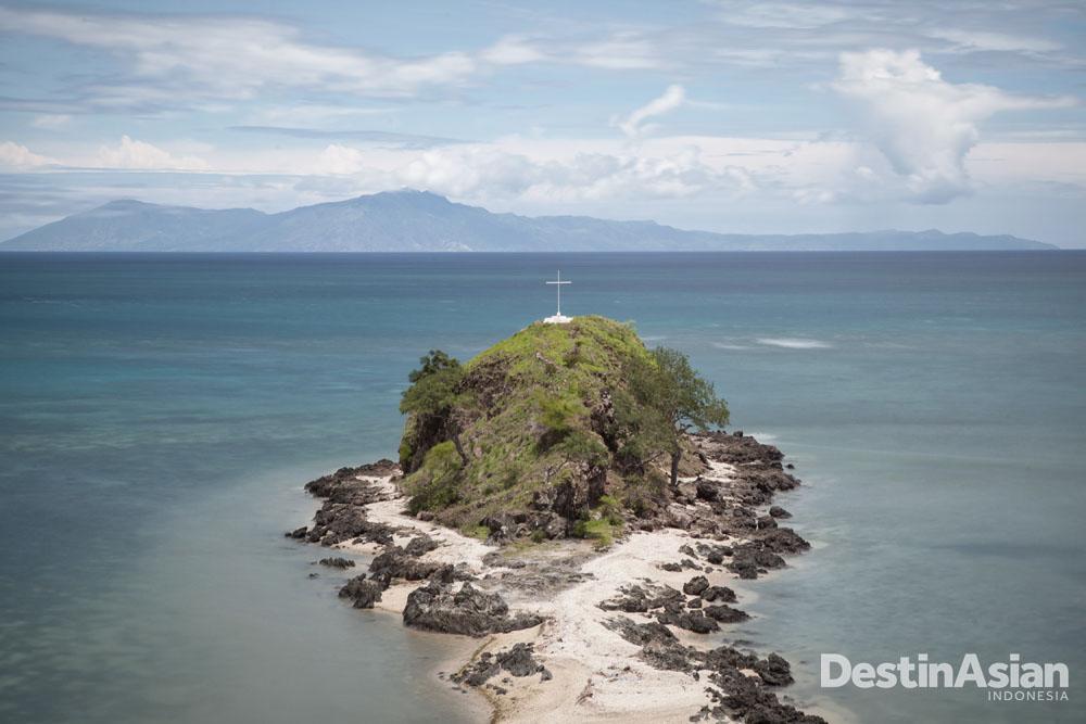 Sebuah pulau karang di dekat Metinaro. Salah satu daya tarik wisatawan di Dili.