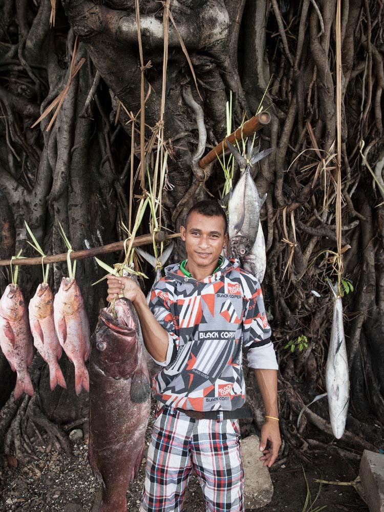 Penjual ikan segar di Dili.