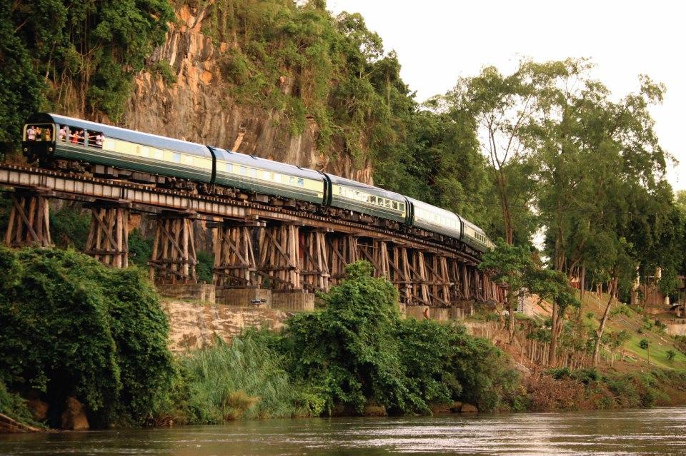 Eastern and Oriental Express membawa penumpang melihat sisi lain Asia Tenggara.