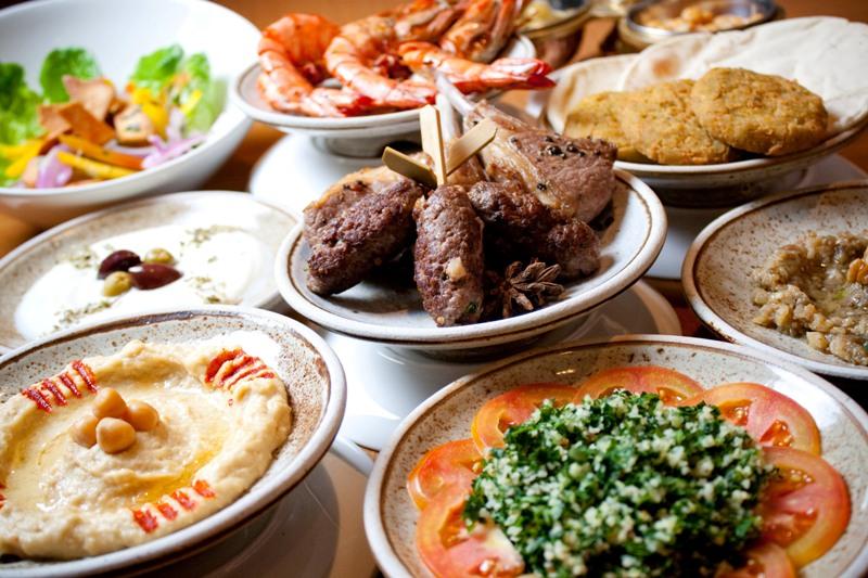 Makanan khas Mesir di Cinnamon, Hotel Mandarin Oriental Jakarta.
