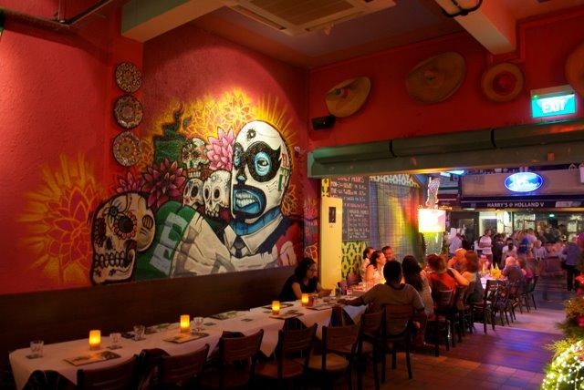 Salah satu sudut restoran El Patio di Singapura.