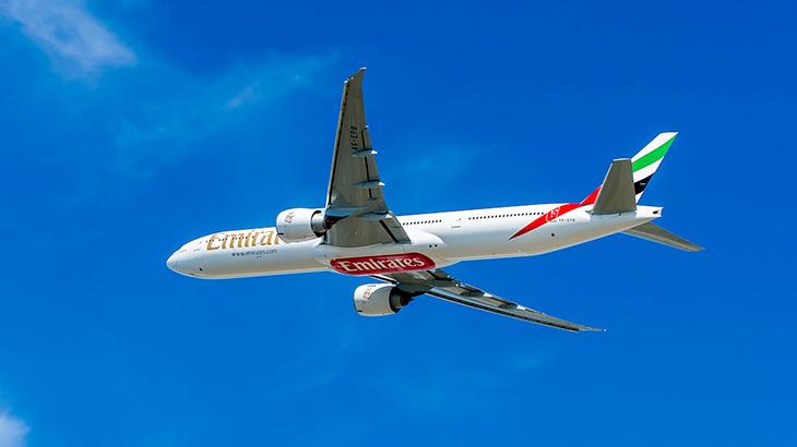 Pesawat Boeing 777-300 milik Emirates.