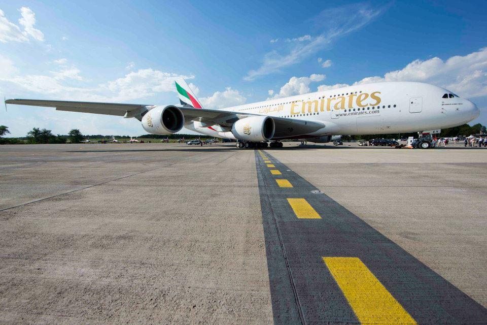 Film-film untuk tunanetra itu tersedia di hampir semua rute milik Emirates.