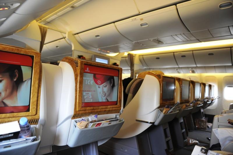 Interior kabin kelas bisnis Boeing 777-300ER milik Emirates.