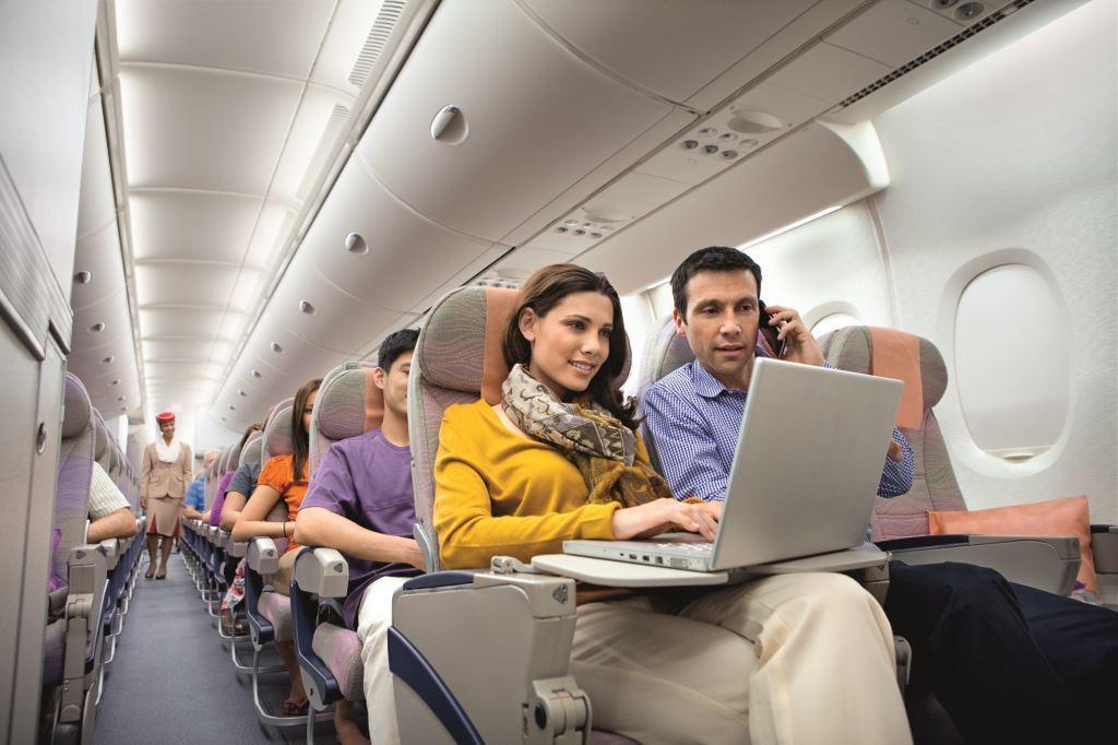 Untuk Emirates, koneksi tersedia di armada A380 dan Boeing 777.