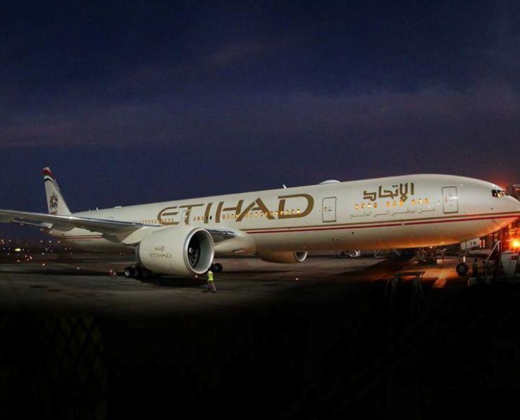 Pesawat Boeing 777 yang melayani penerbangan Abu Dhabi-Los Angeles.