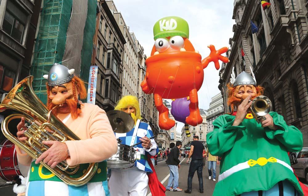Selain puluhan balon, Balloon's Day Parade juga menampilkan tokoh-tokoh komik.