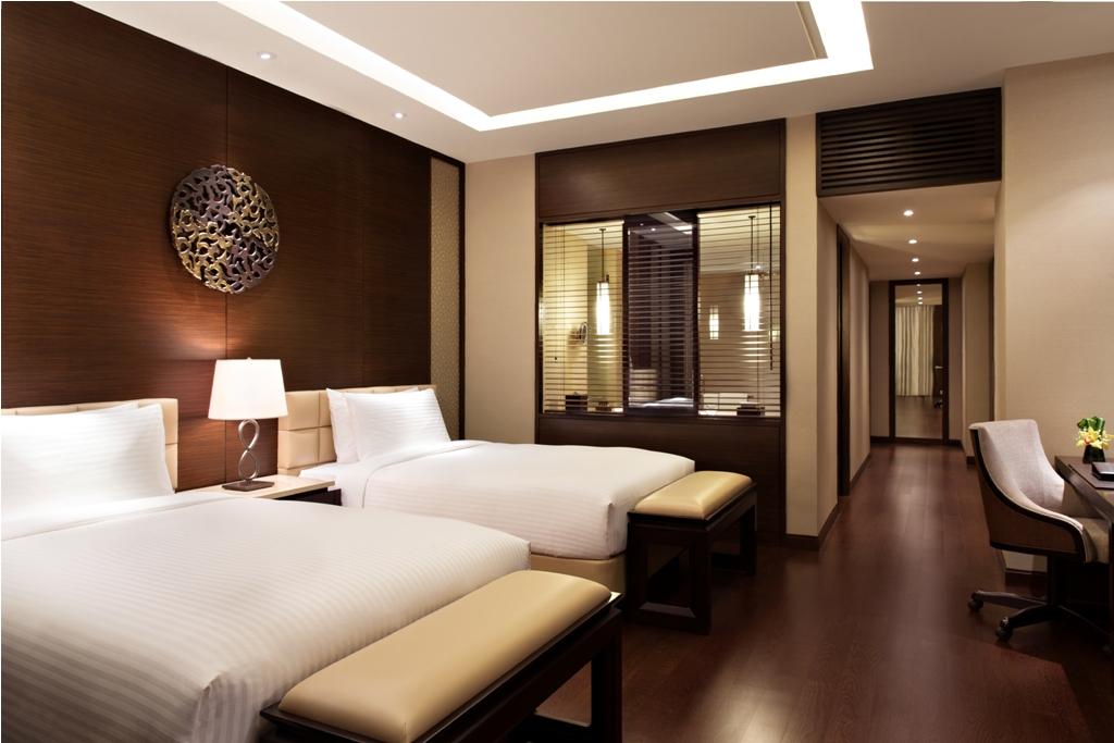 Kamarnya luas dengan matras nyaman.
