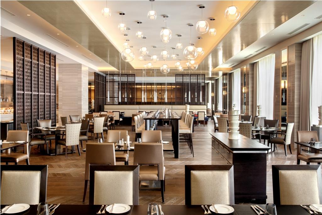 Restoran Spectrum, restoran utama di Hotel Fairmont Jakarta.