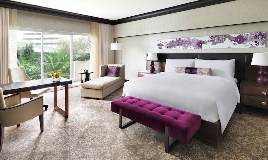 Kamar dengan desain baru bergaya Peranakan.
