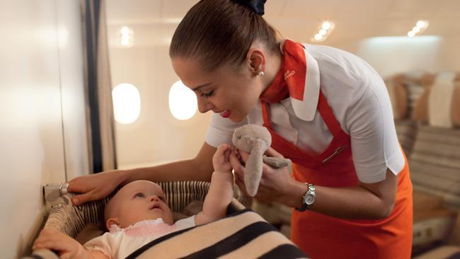 Flying Nanny dari Etihad Airways.
