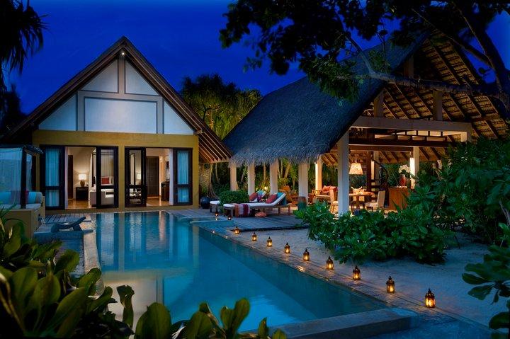 Beach Villa, Four Seasons Resort Landaa Giraavaru.