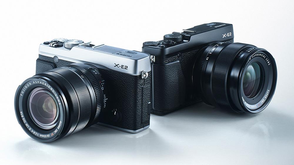 Desain kamera yang klasik menambah poin keunggulan Fujifilm X-E2.