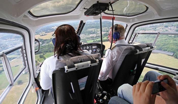 Pilot dan awak profesional akan selalu mengutamakan keselamatan dan kenyamanan penumpang.