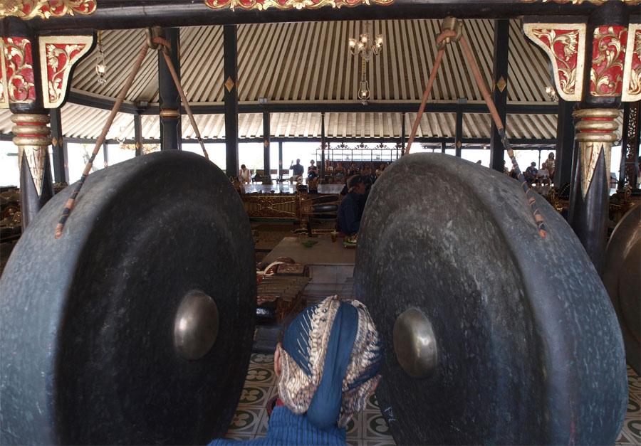 Gamelan kerap digunakan di keraton Surakarta dan Yogyakarta. (Foto: Flickr/Mararie)