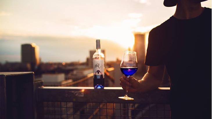 Wine biru tersebut saat ini hanya tersedia di Spanyol.