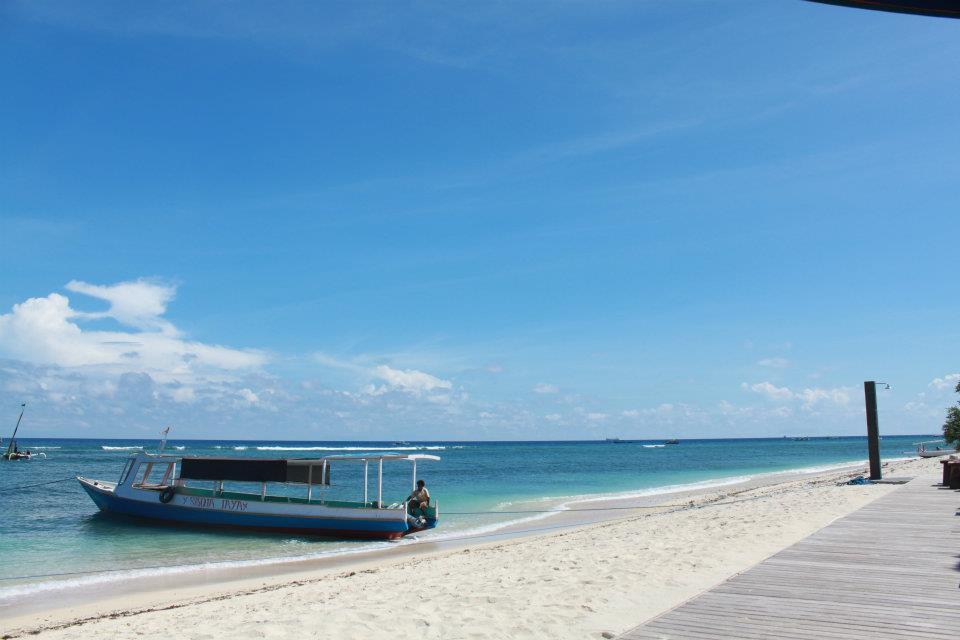 Pantai berpasir putih di Gili Trawangan.