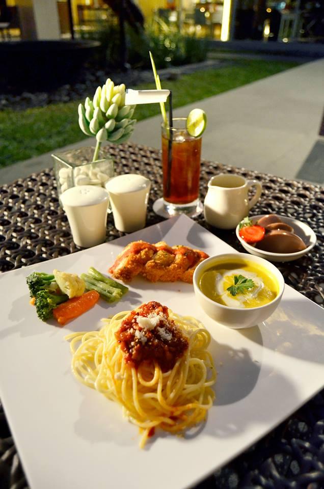 Hidangan spaghetti bagi mereka yang menyukai makanan ala Barat.