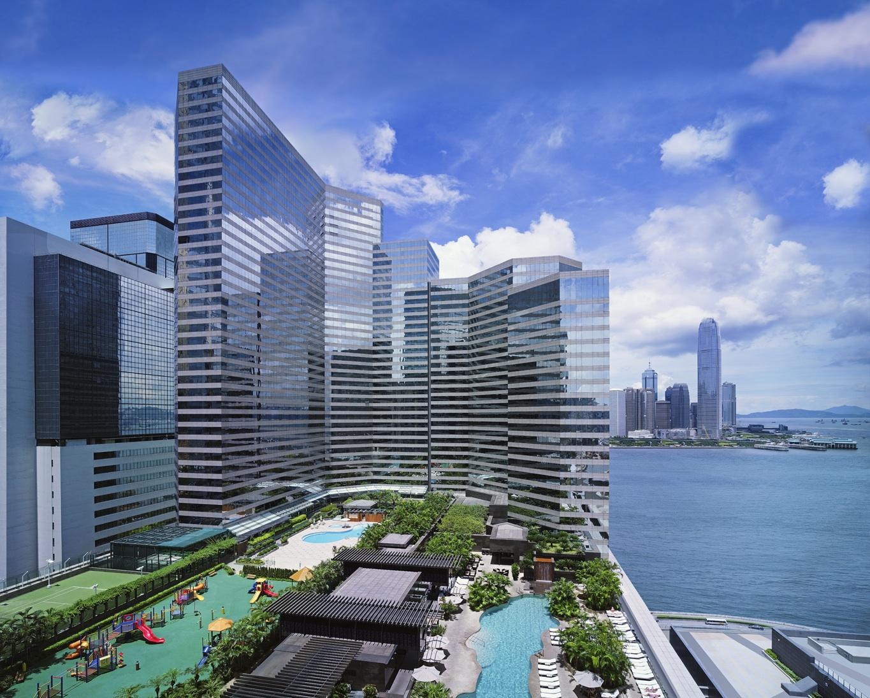 Kolam renang dan taman bermain Grand Hyatt Hong Kong.