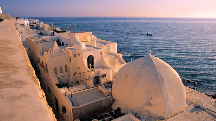 Hammamet, surga bagi para pencinta pantai dan olahraga bahari.