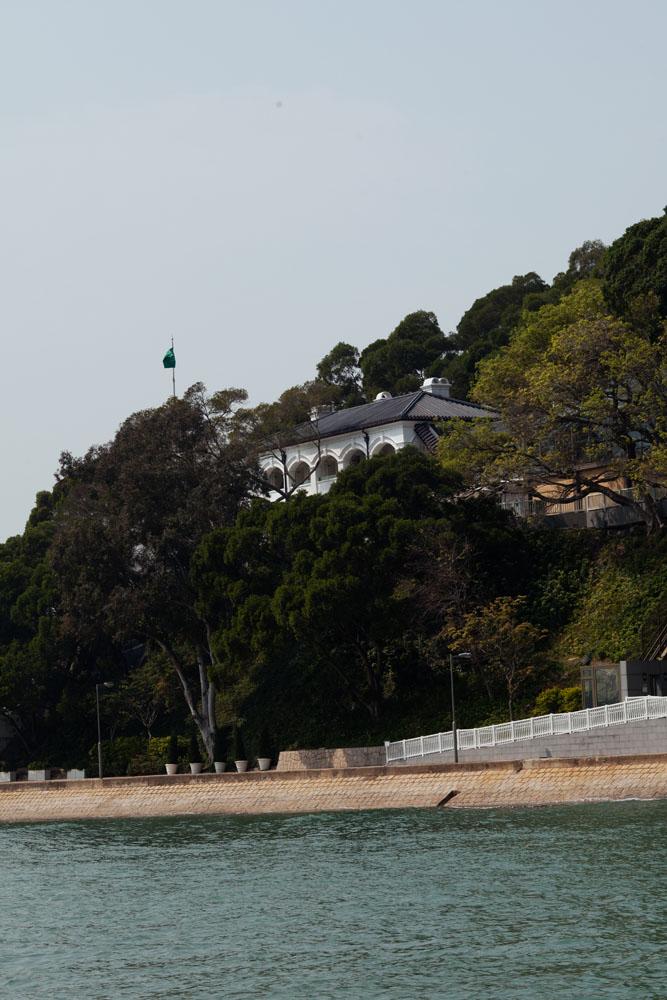 Penginapan Tai O Heritage Hotel milik Daryl Ng berdiri di lereng dan menghadap laut.
