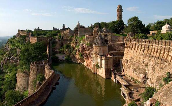 Benteng-benteng kuno di Rajasthan.