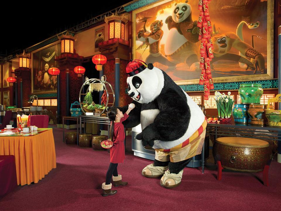 Sarapan bersama tokoh-tokoh kartun DreamWorks.