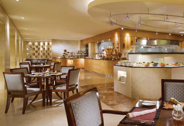 Bogor Cafe, salah satu restoran di Hotel Borobudur yang tersohor dengan hidangan sop buntutnya.