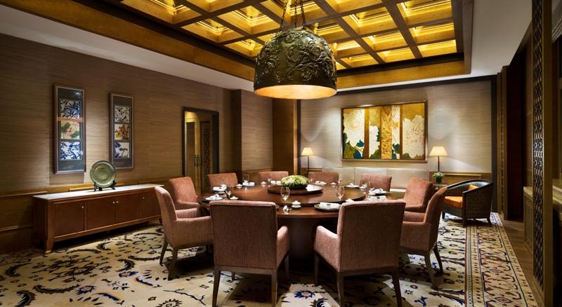 Ruanng privat Changbai House di Hyatt Regency Changbaishan dengan spesialisasi hidangan ala RRC.