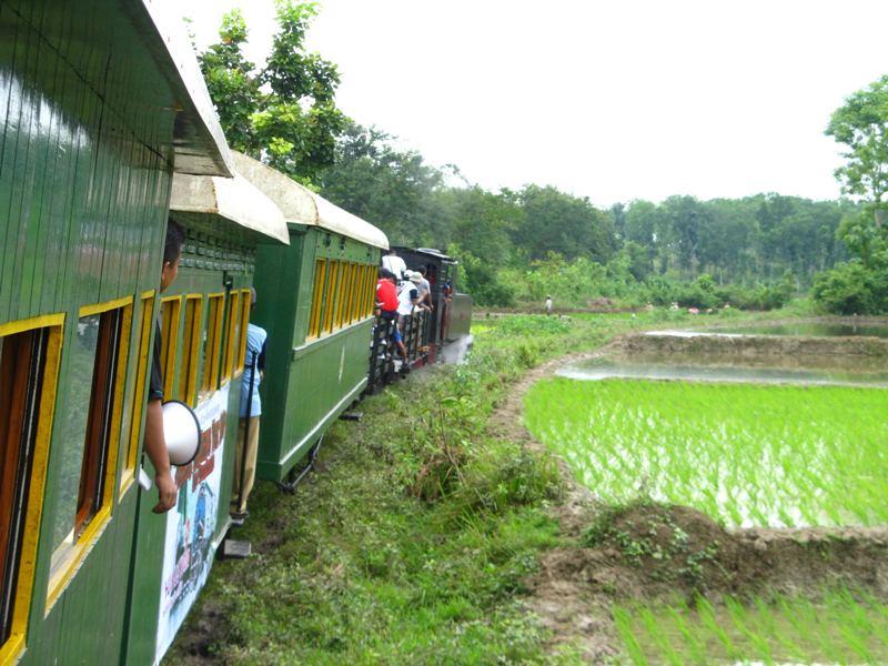 Indonesian Railway Preservation Society mengajak anggotanya untuk tidak melupakan kereta tua.