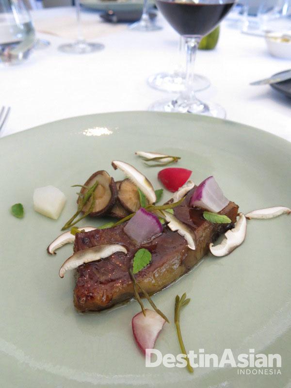 Presentasi hidangan di Brae yang memikat. (Foto: Reza Idris)