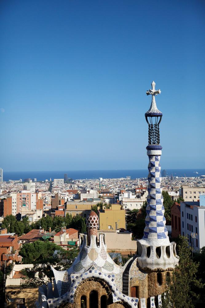 Pemandangan lanskap Barcelona dari Gaudí Park.