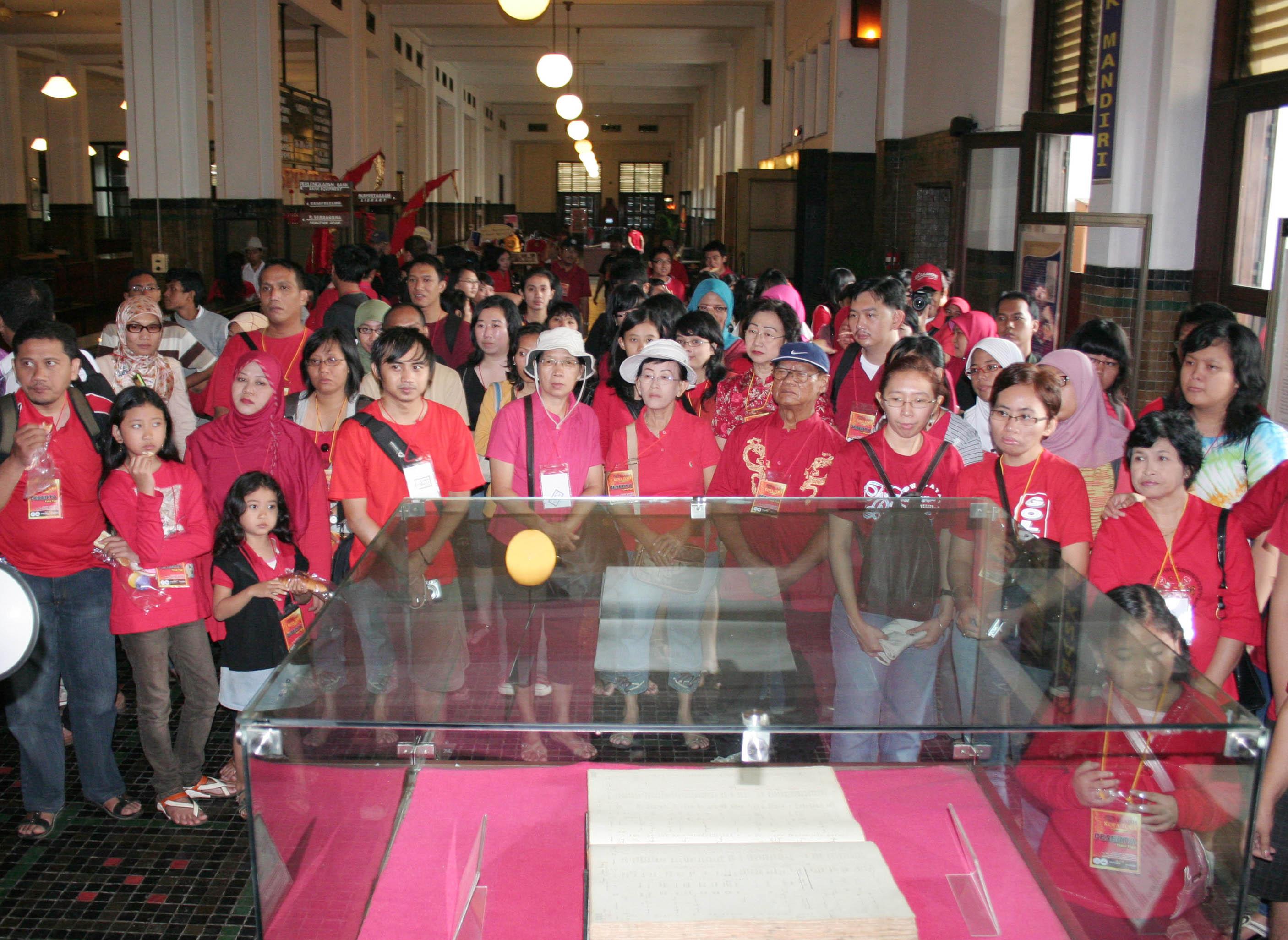 Mengunjungi museum menjadi agenda utama Komunitas Jelajah Budaya.