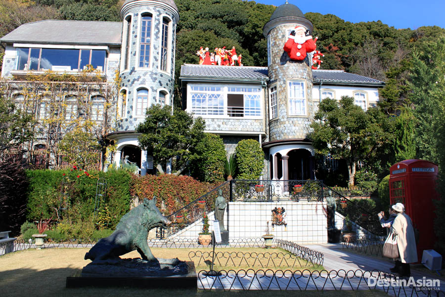 Uroko House, salah satu rumah peninggalan ekspatriat dengan desain cantik.