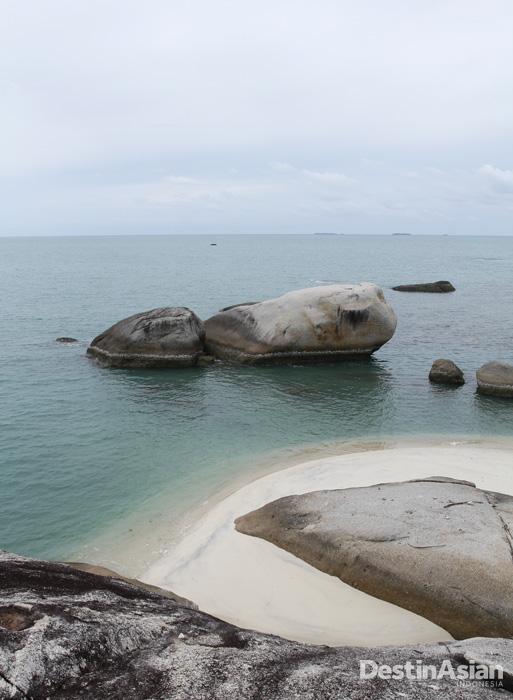 Pantai tetap menjadi daya tarik utama Belitung.