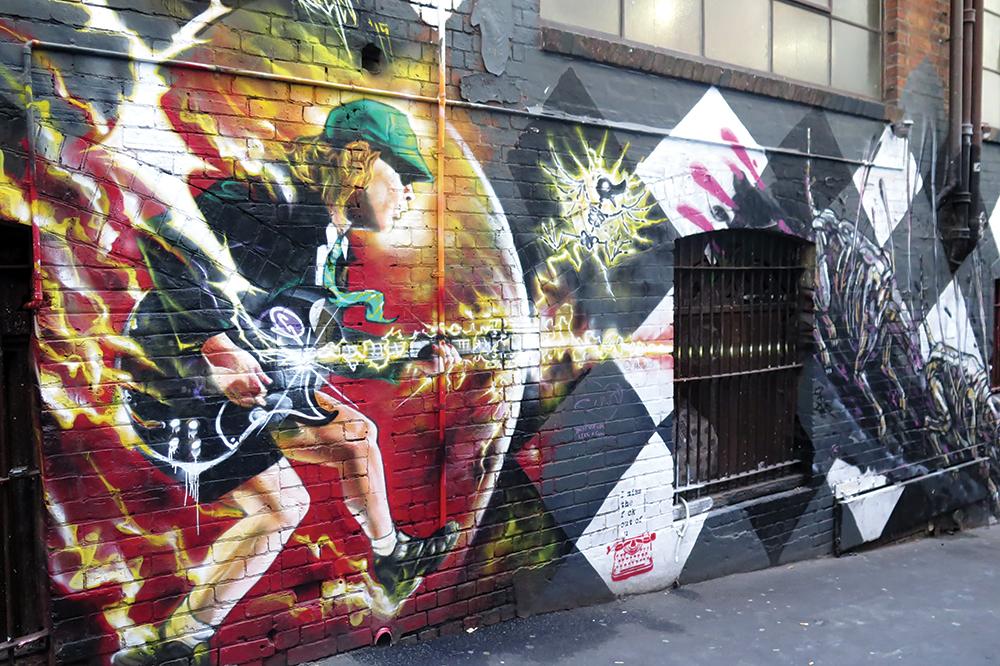 Mural di AC/DC Lane, gang yang didedikasikan bagi grup musik AC/DC.