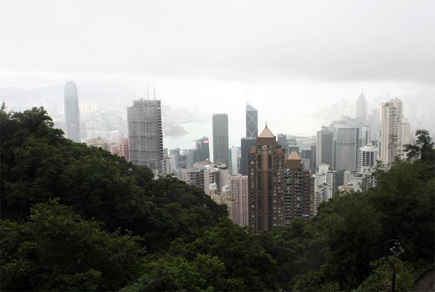 Lanskap kota Hong Kong dilihat dari The Peak.