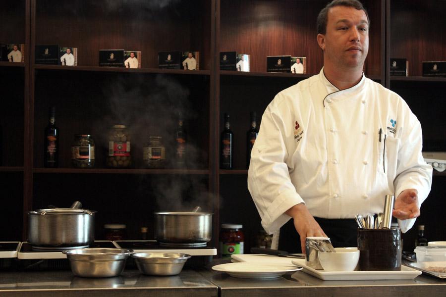 Chris Salans, salah satu koki paling populer di Bali.