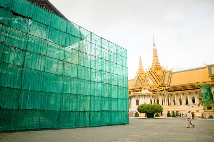 Salah satu sudut kompleks istana yang sedang direnovasi.