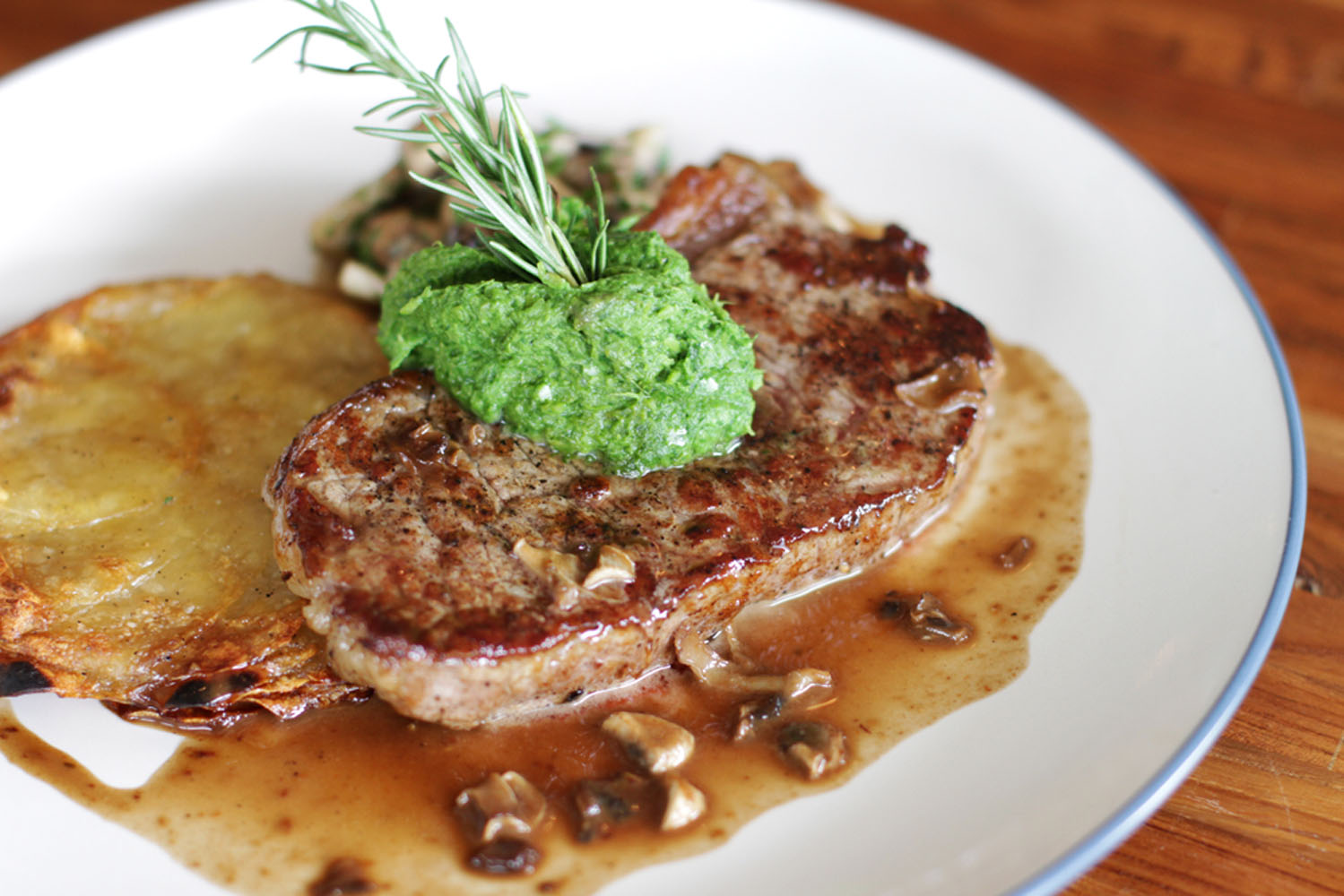 Steik ala Meja Kitchen & Bar.