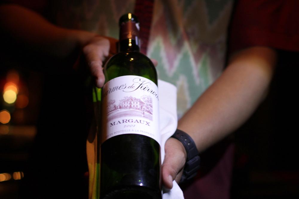 Koleksi wine di Teatro Gastroteque.