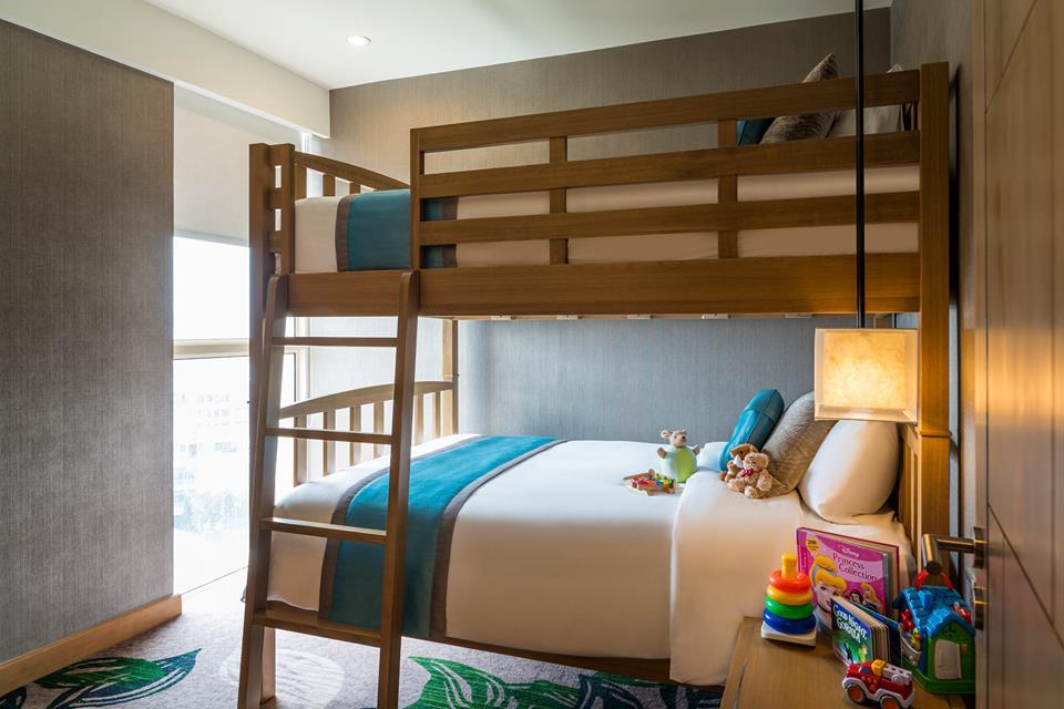 Tempat tidur bunk bed untuk buah hati tersedia di kamar tipe Family Suite.