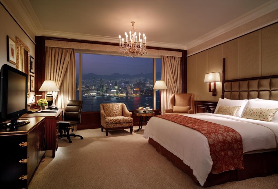 Kamar dengan pemandangan lanskap kota di Island Shangri La, Hong Kong.