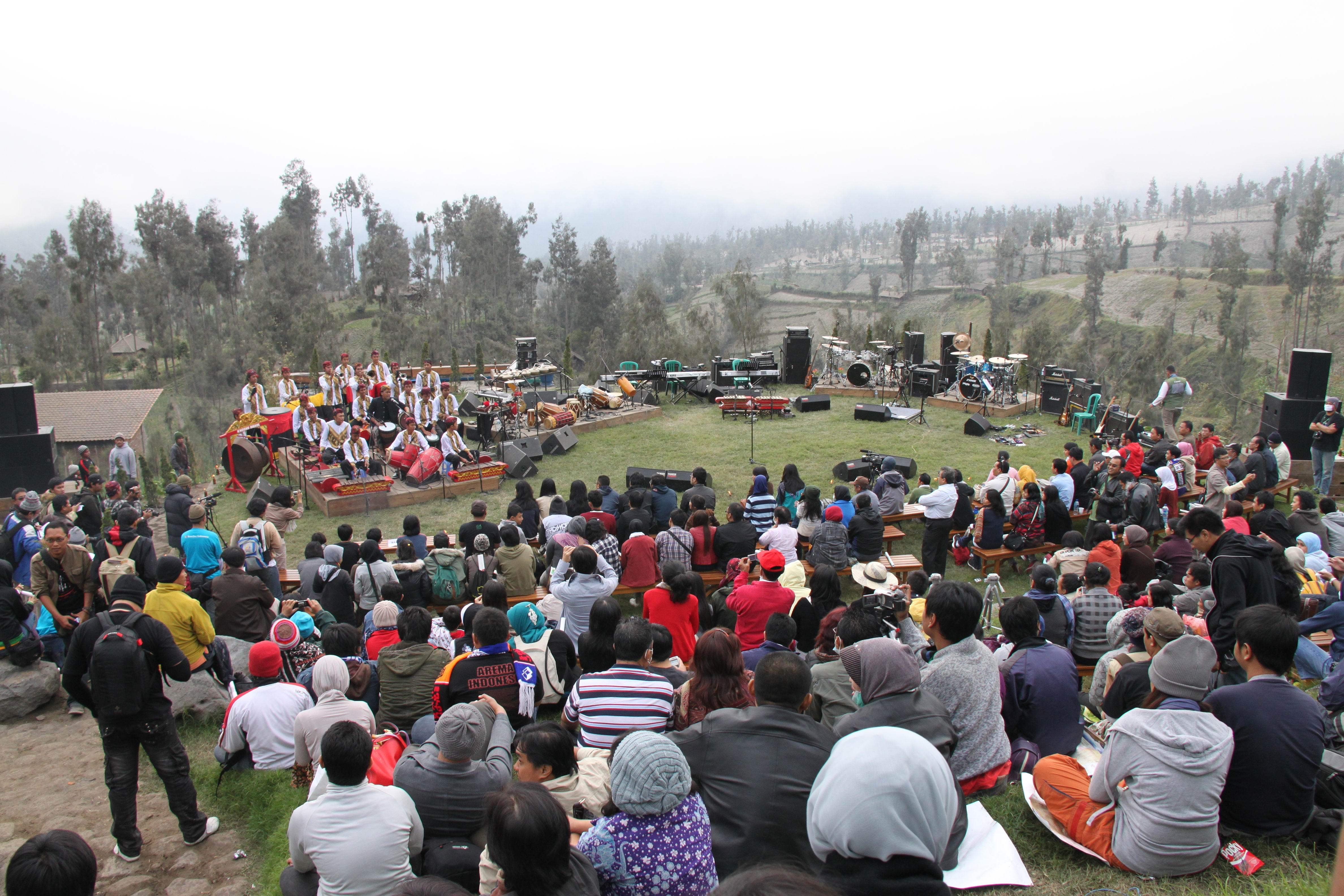 Perpaduan alam yang indah dan musik di Jazz Gunung.