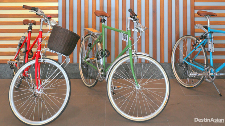 Sepeda yang menjadi alat transportasi andalan buat tamu.