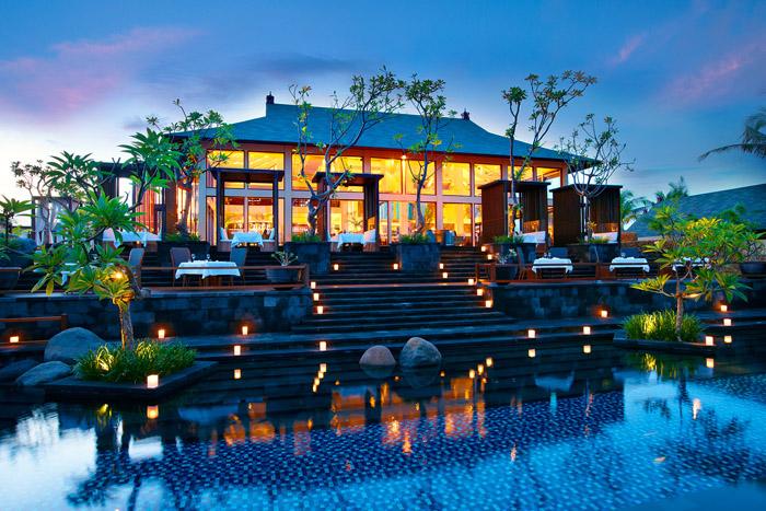 Restoran Kayuputi di St. Regis Bali Resort yang juga sering menyabet penghargaan.