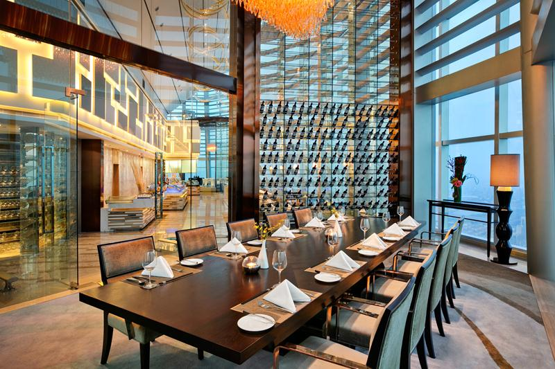 Ruang privat di Elements All-Day Dining.