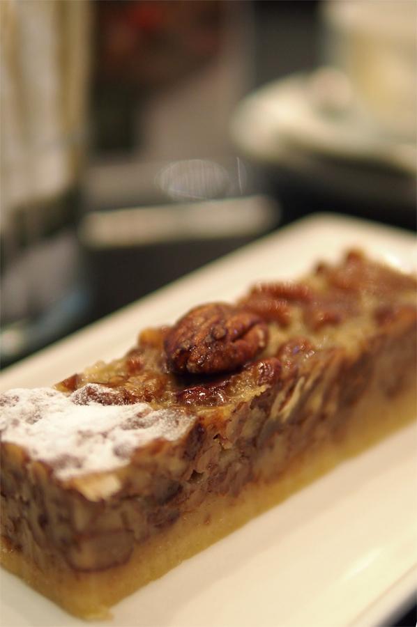 Kholas Pecan Pie di Cafe Bateel.