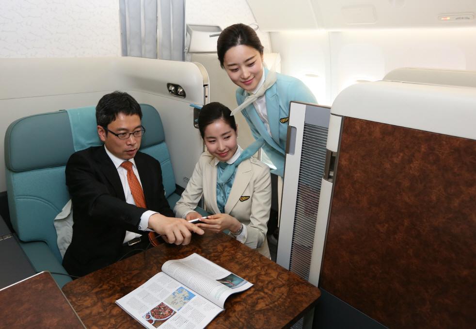 Kursi First Class Korean Air kini dilengkapi dengan pintu geser guna menambah privasi.